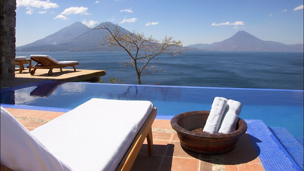 Casa palopo lake atitlan for Hoteles en ciudad real con piscina